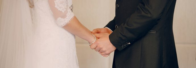 Should Christians write their own marriage vows?